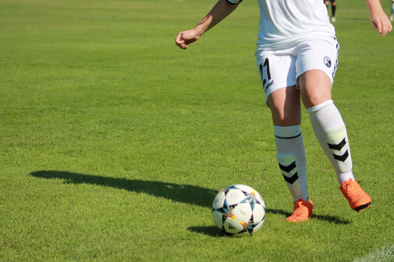 Football Betting Systems – Would They Be Lucrative?