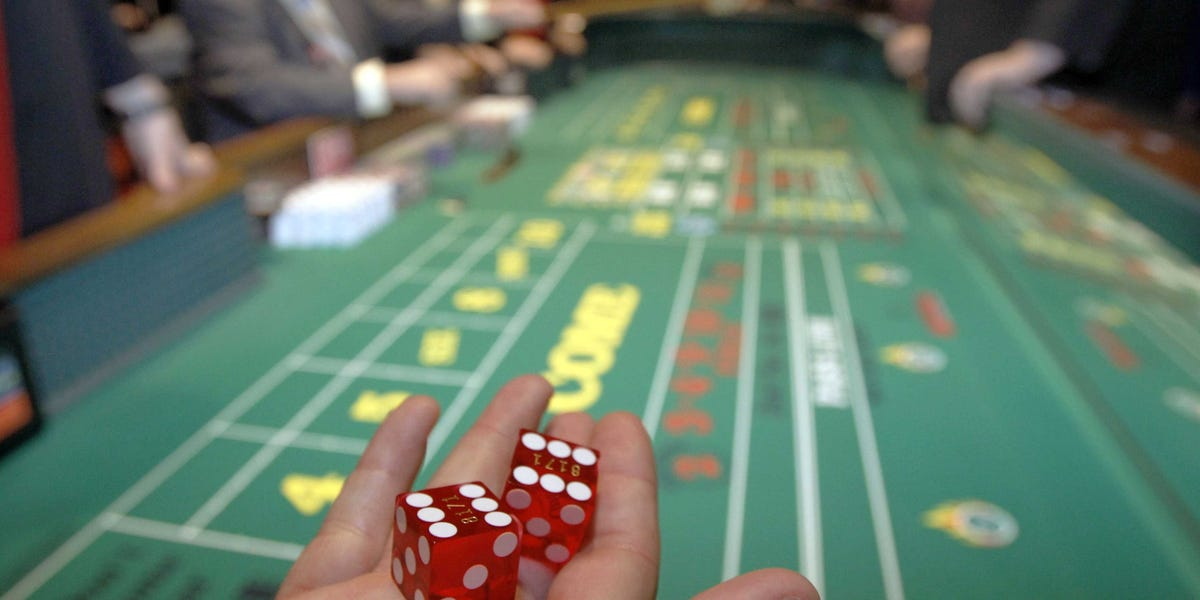How you can Play Craps the proper way: The Three Easy Steps
